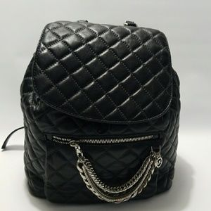 d8b5129f7933dc Michael Kors Bags - 💣💣FINAL PRICE💣💣Michael Kors Cheyenne Backpack