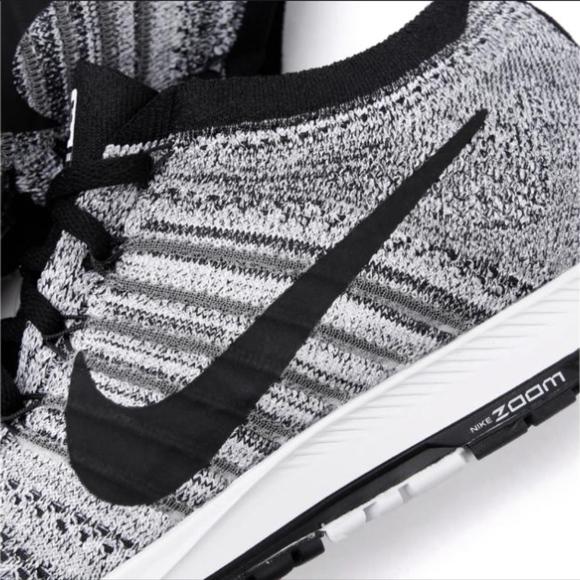 ad0310f3755489 Nike Zoom Flyknit Streak Running Shoes