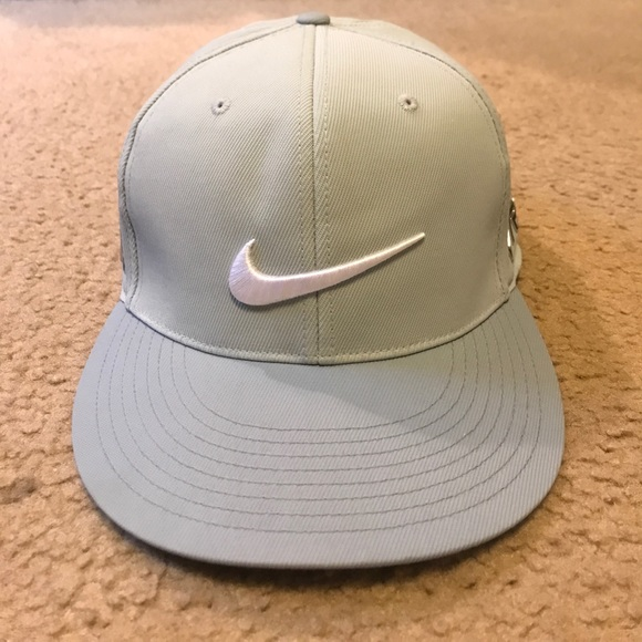 1ba31999c Men's Nike Golf RZN VRS Silver Flex Fit Hat L-XL