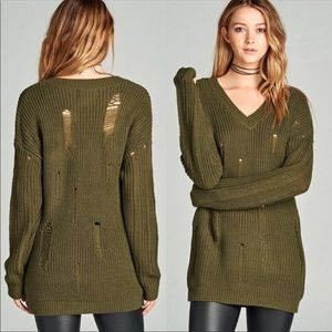 ⭐️2 LEFT!!⭐️ Distressed Knit V-Neck Sweater