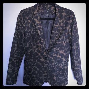 Jackets & Blazers - H&M animal print blazer - size 8