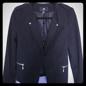 Jackets & Blazers - H&M black blazer - size 8