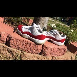 Jordan Retro 11 Cherry Lows