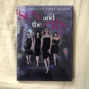 SEX AND THE CITY • Complete First Season