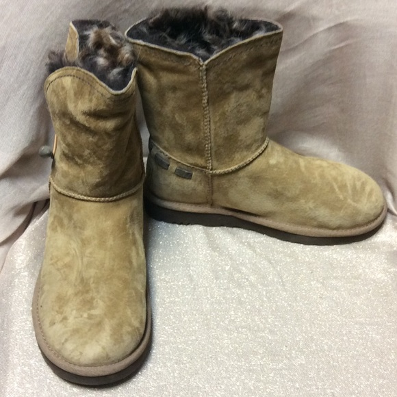 95b3dd195dc NEW!! UGG Meadow Boots