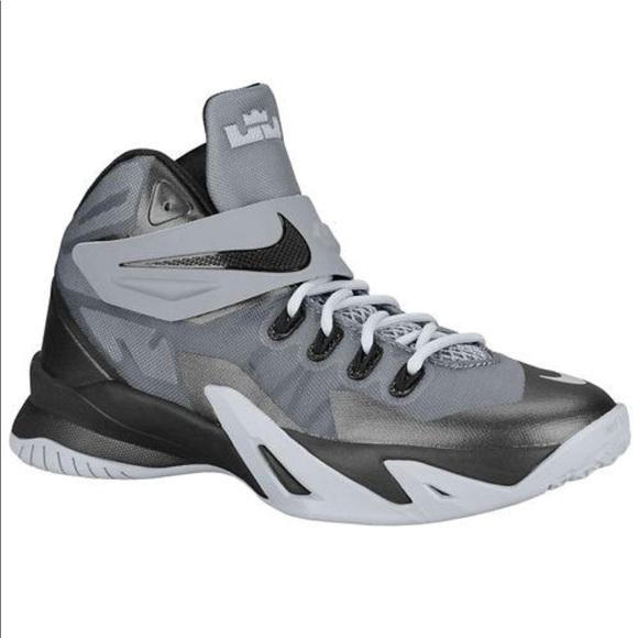 fd30d2c7e746 Nike Zoom LeBron Soldier 8 Wolf Grey   Black. M 5a04e3b64e95a3dbd704fb4d