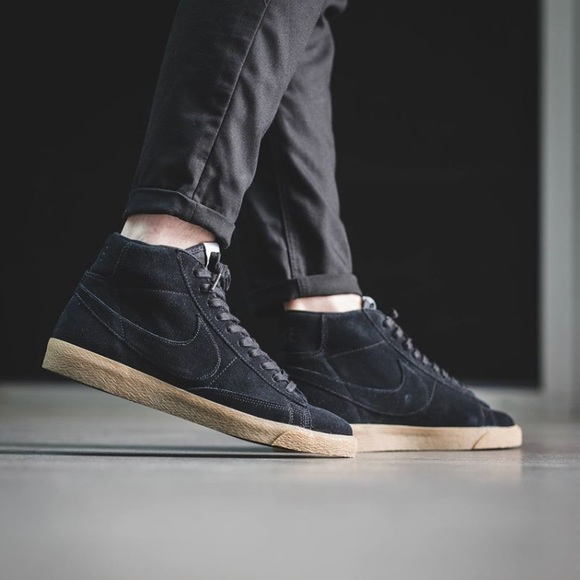 FIRM Nike Blazer Mid Premium Black Suede Gum Sole cd4ce3f29