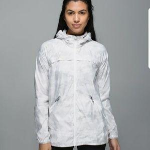 NEW Lululemon Miss Misty II jacket silver/grey