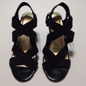 Laura Scott Shoes Wedge 9M Strappy Open Toe Black