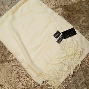 Accessories - Cream scarf