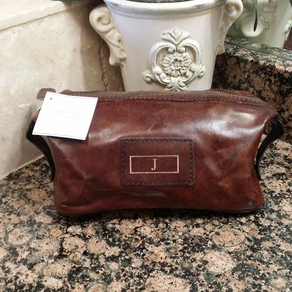 54e84e06dc01 ... Saddle Leather Toiletry Case. M 5a050c1dbf6df55b6405a4a9