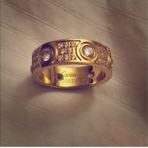 *LAST CHANCE!* Gold diamond ring