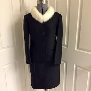 VINTAGE suit w/ FUR collar