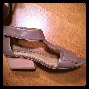 Vaneli Block Heel Leather Beige Sandals