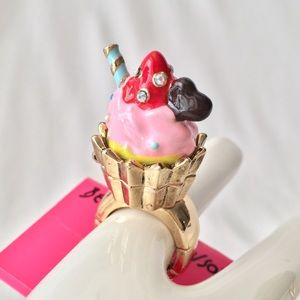 Betsey J 'Tea Party' Pink Cupcake Ring Retired/NWT