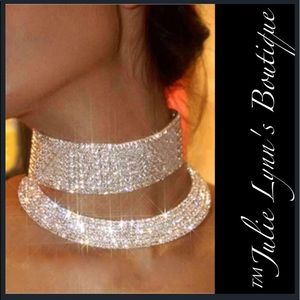 Jewelry - 🎉🅷🅿 Spectacular Crystal Clavicle Choker