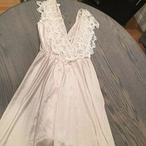 Vintage Lace Crocheted Off White Wedding M-L Dress