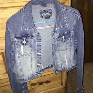 XL short jean jacket