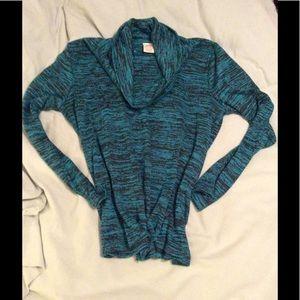🤑5 items for $20. Women's long sleeved cowl neck