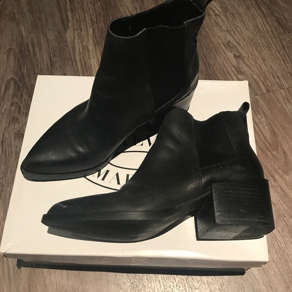 steve madden sagiee black leather boots size 6/6.5