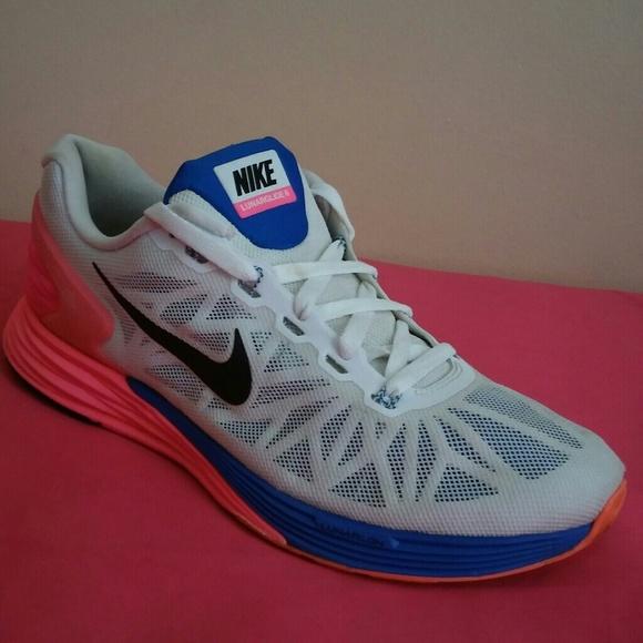 48e86c871a90d Nike Lunarglide 6 SIze 9 MEN   10. M 5a05662b7fab3ac966070028