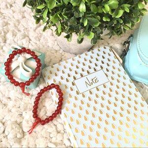 Jewelry - 2 stretch bracelets