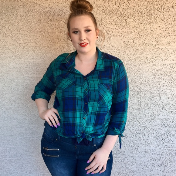 Faded Glory Tops - GREEN BLUE PLAID FLANNEL CAMP SHIRT XL