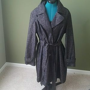 Dana Buchman trench coat in euc