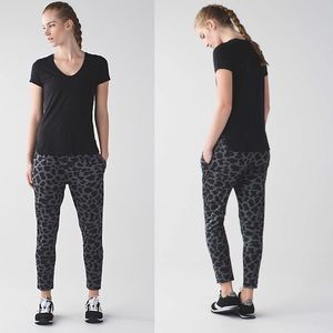 Lululemon Jet Crop Slim