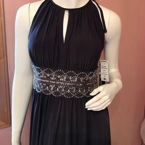 Gorgeous brown long dress size 4 petit