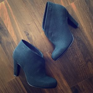 United Nude Crossover Ankle Booties