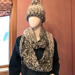 Women Hate and scarf  one size soft and cozy!