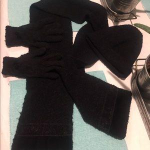 ❄️🖤beanie scarf & gloves set🖤❄️