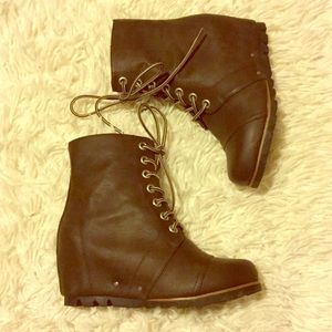 Shoes - E Sprit Wedge Boot