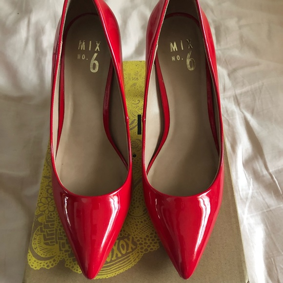 2077b4921729 Mix No. 6 Dignity Pumps in Red