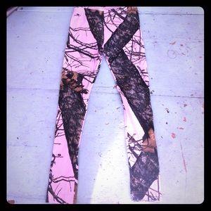 Pink camo mossy oak leggings