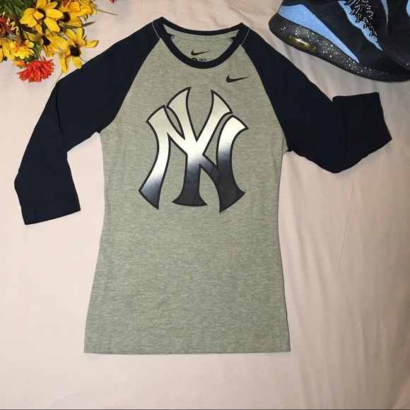 b5cc6cf0 Nike Tops | Yankees Logo Slim Fit Raglan Tee 34 Sleeve S | Poshmark