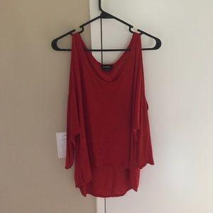 BEBE Red quarter sleeve T-shirt