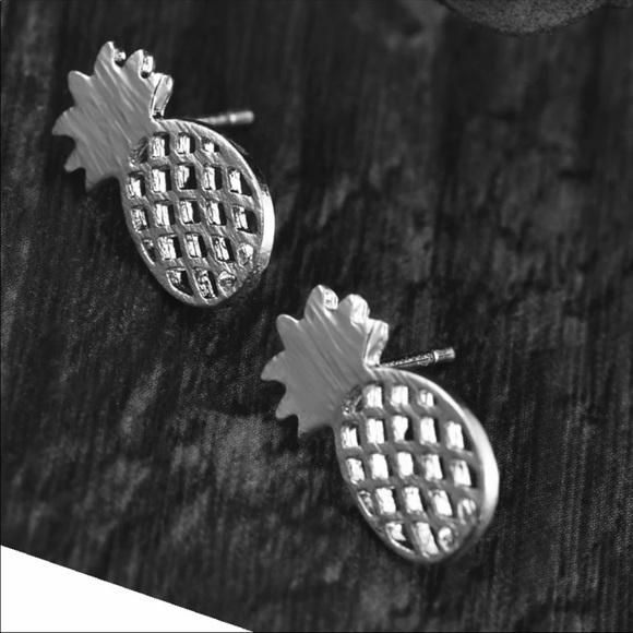 Jewelry - (Q3) Silver Pineapple Earrings