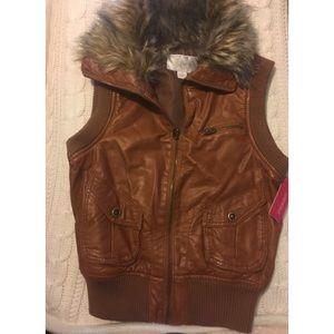 Faux leather fur trim vest