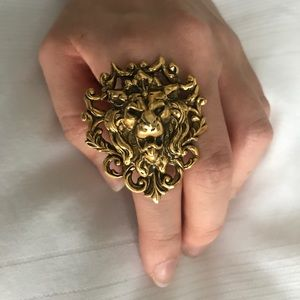 Jewelry - Lion statement ring