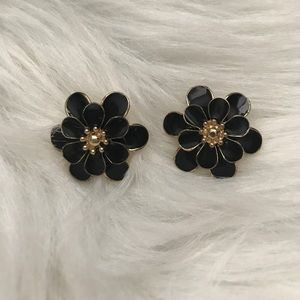 Jewelry - Black Gold Flower Earrings