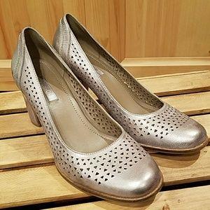 Ecco metallic silver heels