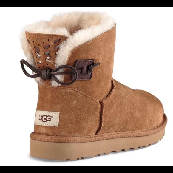 d8e4fa3da44 UGG Adoria Tehuano Chestnut Boots - Size 8 New NWT