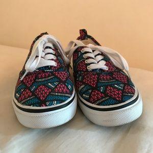 H&M colorful tribal sneakers! Sz 38 (Sz 8 U.S.)