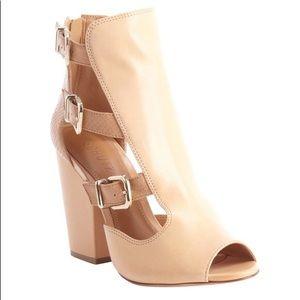 Schutz - Celena Chunky Heel Buckle Sandals. Size 8