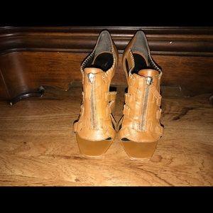 0f9670b8a089 Tikijah Parsons s Closet ( tikijah)