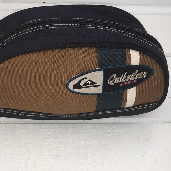 54c549c11390 Quicksilver Toiletry Capsule Travel Bag Orig  29