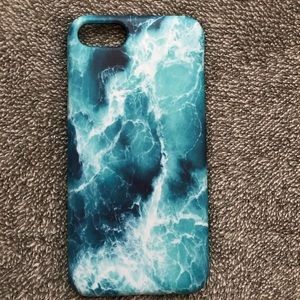Accessories - 💕NWT iPhone 7/8 ocean wave phone case💕