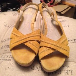 Hush Puppies yellow wedges size 7.5
